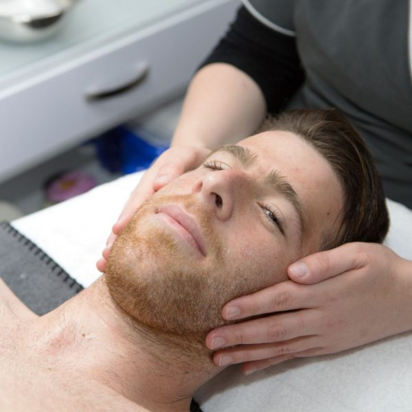 גיא מלמד-בטיפול פנים קלאסי וניקוי עמוק